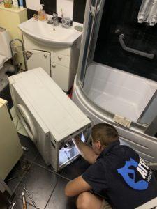 Замена ремня и амортизаторов в стиральной машине Samsung