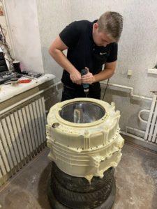 Замена подшипников в баке стиральной машины Аристон